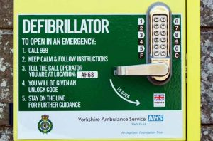 Image of defibrillator instructions. Medical translations UK