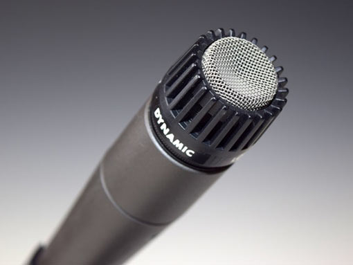 Image of a microphone to illustrateoiceover translation services uk
