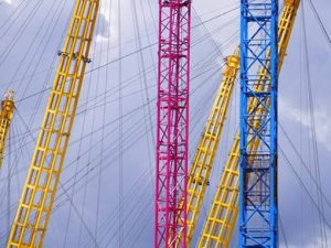 image of cranes to illustrate business translation services uk